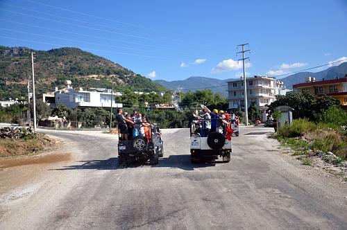 Нажмите на изображение для увеличения Название: Джипы в горах Турции (Аланья).jpg Просмотров: 143 Размер:96.8 Кб ID:282