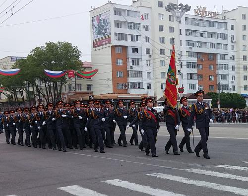 Нажмите на изображение для увеличения Название: Парад Победы 2016 в Молдове (ПМР).jpg Просмотров: 276 Размер:95.9 Кб ID:307